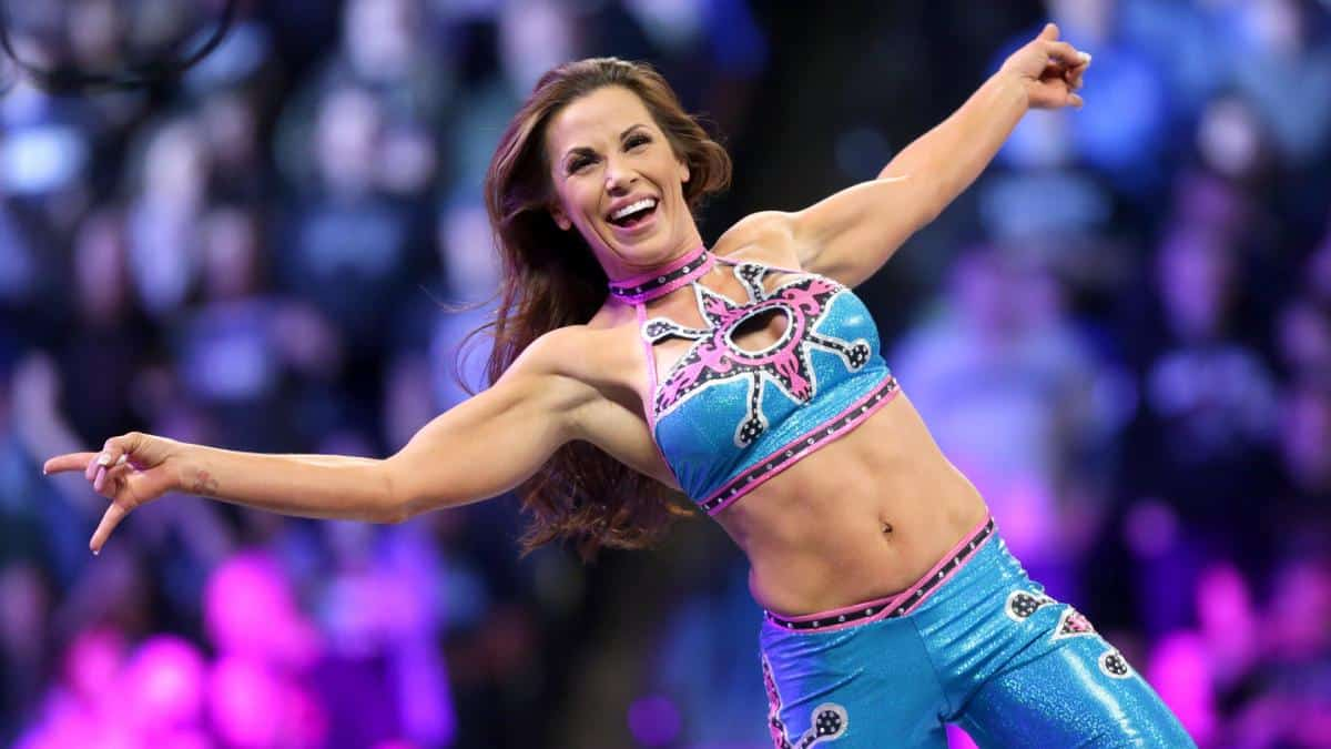 Is Mickie James Married or Dating?