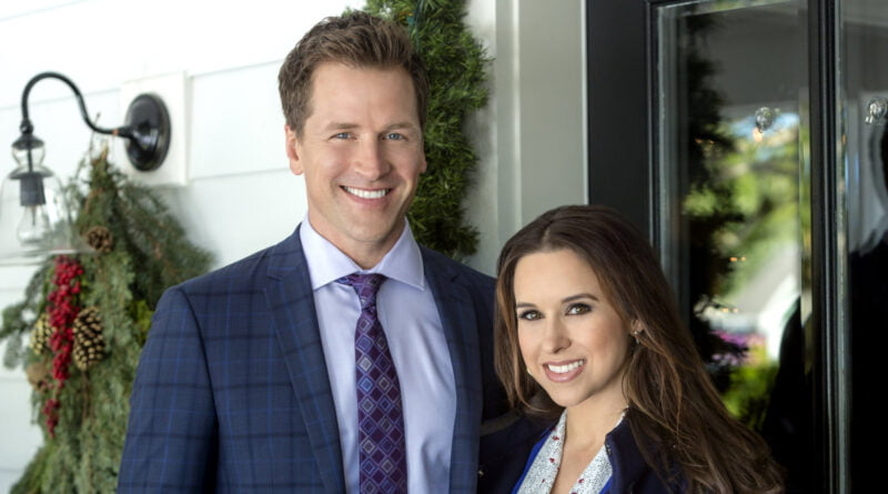 Is Lacey Chabert Married Or Dating? Her Bio, Age, Family ...